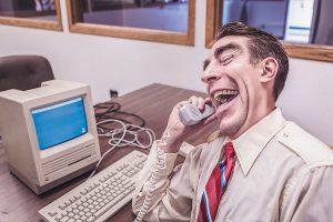 Ecoles de commerce : commercial au téléphone